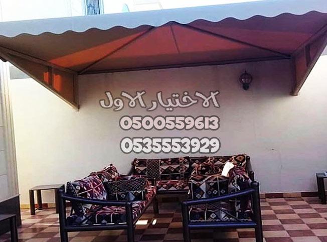 مظلات اسطح المنازل مع مقاعد جميلة لعمل جلسة مميزة